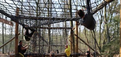 Sporters werken aan conditie in museumpark Orientalis