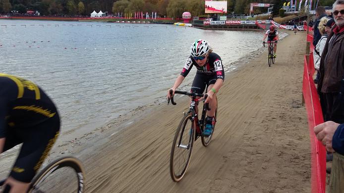 Lindy van Anrooij startte het seizoen zondag met een zeventiende plaats in Eeklo.