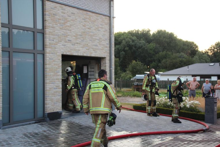 De brandweer was snel ter plaatse en kon het vuur doven.