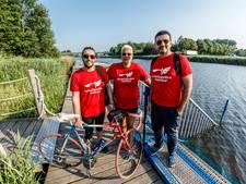 Vluchtelingen bereiden zich voor op de Trio Triathlon, Saleh fietst pas sinds vrijdag