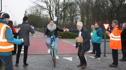 """High five en applaus voor de fietsers: """"Jullie maken de wereld een stukje plezanter"""""""