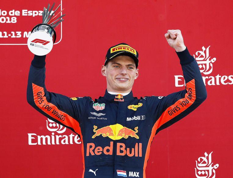 Max Verstappen viert zijn derde plaats bij de GP van Spanje. Beeld EPA