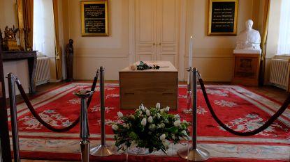 Rijtje schuiven voor laatste groet aan kardinaal Danneels