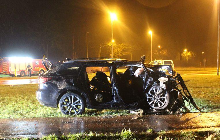 Eén inzittende van de Mazda stierf ter plaatse, de twee andere liepen levensgevaarlijke verwondingen op. Een van hen overleed later ook in het ziekenhuis.