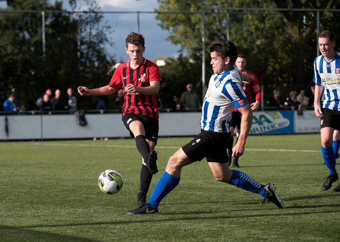 Beeld uit de wedstrijd VVIJ - IJFC, de burenruzie in IJsselstein, afgelopen september.