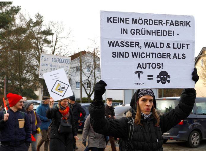Er is de afgelopen tijd enkele keren geprotesteerd tegen de komst van Tesla's eerste Europese autofabriek
