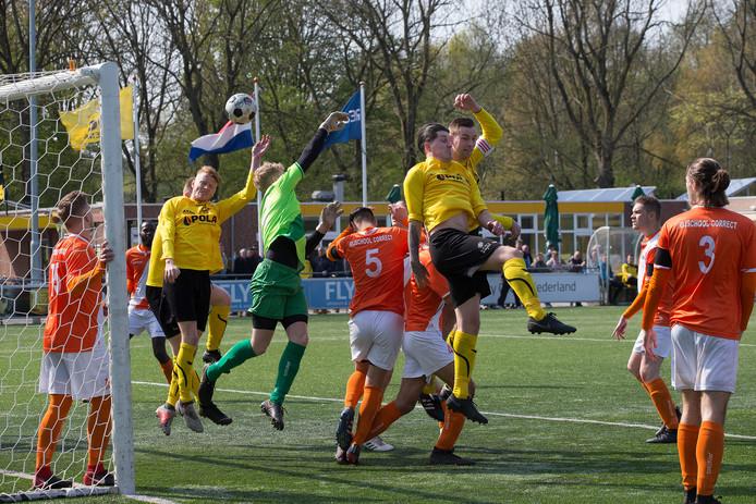 Tweedeklasser DCS speelt in het bekertoernooi tegen AVW'66 uit Westervoort.