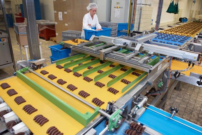 De productie van rumbonen in de fabriek van Lonka in Dieren.