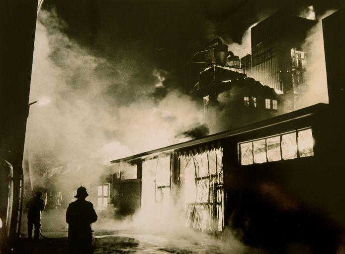 Vijftig jaar geleden brandde de Boerenbond in Udenhout af. Na enkele uren was er niets meer over van het grote complex.