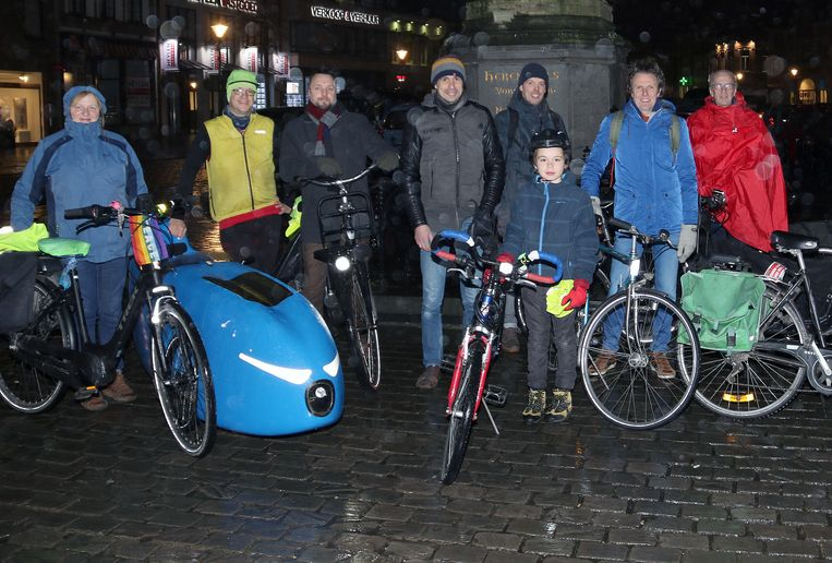 Enkele van de fietsers die het koude weer trotseerden tijdens de eerste Citical Mass van 2019.