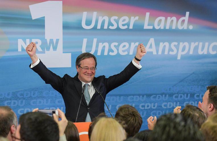 Armin Laschet, regionale CDU-leider juicht voor zijn aanhangers. Beeld epa