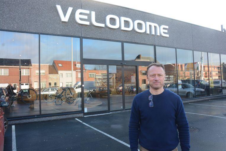 Zaakvoerder Philippe Van Eekhout koos voor een industrieel pand in de Albert Panisstraat om een nieuwe vestiging te openen.