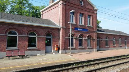 Stationsgebouwen van Zichem staan te koop voor 225.000 euro