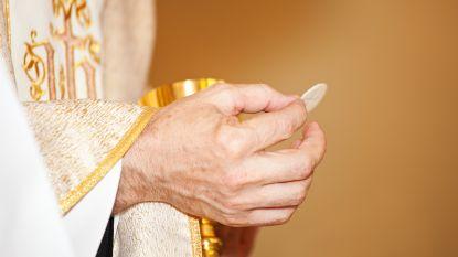 """""""4 op de 5 priesters in het Vaticaan zijn homoseksueel"""", stelt nieuw explosief boek"""