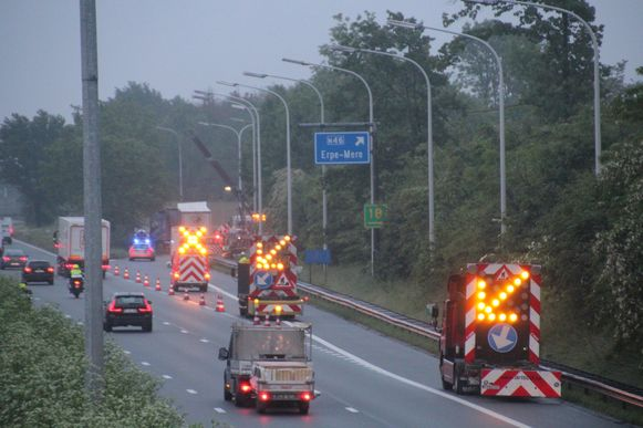 Het ongeval gebeurde op de E40 richting Brussel aan de afrit Erpe-Mere.
