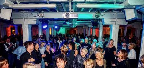 Ode aan gesloten Café d'Anvers in derde Oldskool Clubbing