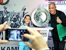 Laatste kans: op de foto met de kampioensschaal