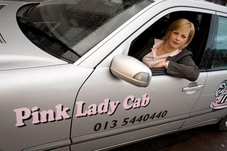 De eerste roze taxi in Nederland kwam er in 2007 in Tilburg. Maar de Pink Lady Cab was geen lang leven beschoren, er waren te weinig klanten.