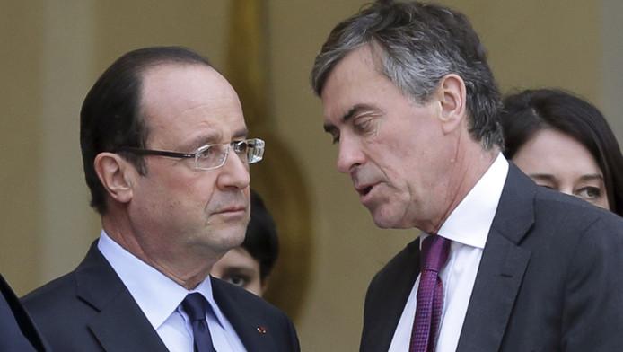 La justice a reconnu qu'il s'agissait de la voix de Jérôme Cahuzac (D) évoquer un compte bancaire en Suisse.