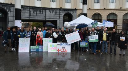 Actie voor kernenergie aan Centraal Station