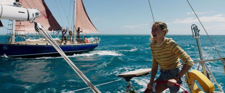 Shailene Woodley in ADRIFT Beeld STXfilms
