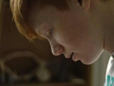 De zelfmoord van zijn vader heeft het leven van Stef (14) uit Lochem 'wel een beetje verpest' en toch is hij zijn grote voorbeeld