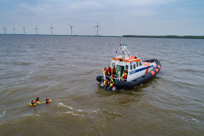 De Koninklijke Nederlandse Redding Maatschappij (KNRM) Urk in actie.