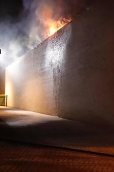 Brand bij pakketbezorger op De Hurk in Eindhoven onder controle
