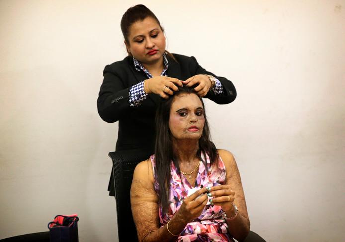 Om aandacht te vragen voor vrouwen die slachtoffer zijn geworden van een zuur aanval wordt in de Indiase stad Mumbai een modeshow gehouden door slachtoffers. Foto: Rafiq Magbool