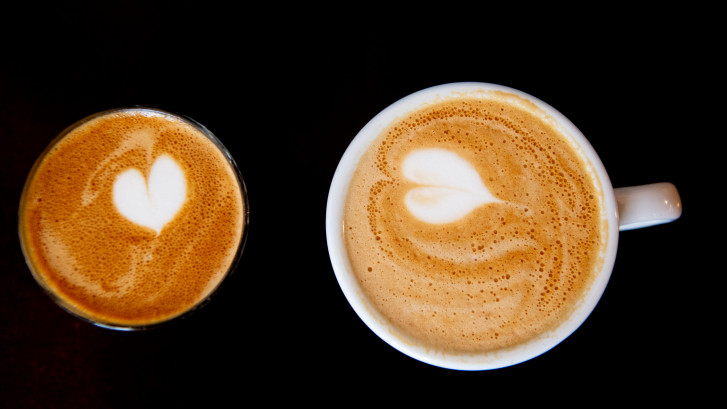 Kan vrijwilliger op een stembureau nou echt geen kopje koffie krijgen?