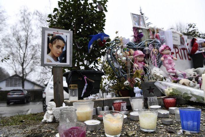 Le lieu où Maëlys a été enlevée, à Pont-de-Beauvoisin, était devenu un lieu de recueillement en 2017. L'enfant repose désormais à la Tour-du-Pin