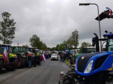 Boerenprotest bij Schiphol beëindigd, kans op lege schappen bij AH door blokkades
