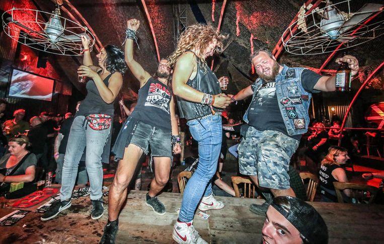 Dat metalheads weten hoe ze een feestje moeten bouwen, beseffen ze in Kortijk intussen heel goed.