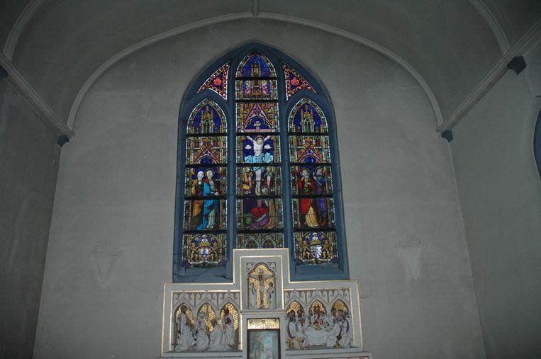 Een beeld binnen in de kloosterkapel.