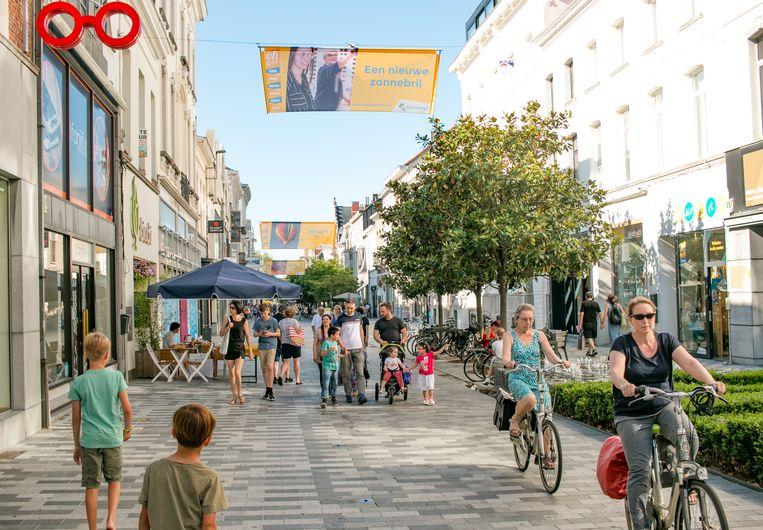 Ook vandaag zijn de winkels in de stadskern open, van 14 tot 18 uur.