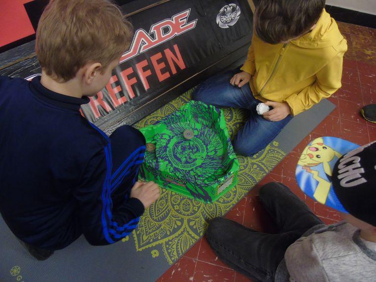Beyblade, populair bij kinderen en komende zaterdag op het Stationsplein.