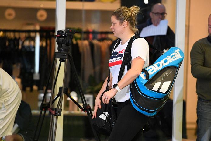 """""""Je me concentre sur les entraînements, jour après jour et je me fixe des objectifs en termes de niveau, mais pas pour ce qui concerne les résultats ou un classement WTA"""". Kim Clijsters, 36 ans, a été claire mercredi au moment de recevoir la presse au sein de son académie, la Kim Clijsters Academy de Bree."""