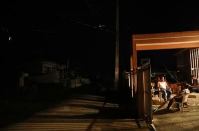 Puerto Rico zit nog steeds grotendeels in het donker na orkaan Maria