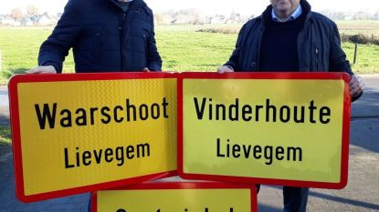 Verkoop oude gemeenteborden levert 5.090 euro op voor goed doel