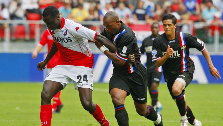 Kargbo (midden) tijdens de gefixte wedstrijd tegen Utrecht, augustus 2009. Beeld anp