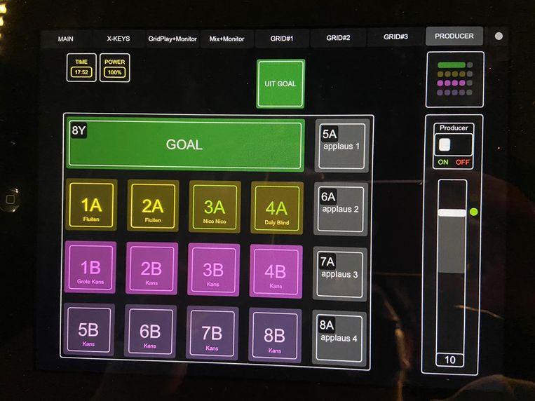 Een van de series met stadiongeluiden die Paul van Oudenallen met de iPad bedient tijdens Ajax - Liverpool. Er is onder meer een spreekkoor voor Ajacied Tagliafico ('Nico, Nico') en voor Daley Blind. Beeld Paul van Oudenallen
