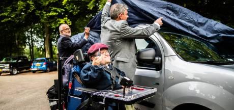 Elektrische deel-rolstoelauto voor Arnhemse gehandicapten