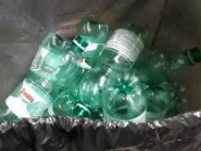 In Rotterdam slingeren ruim twee keer zoveel plastic flesjes op straat dan in rest van Nederland