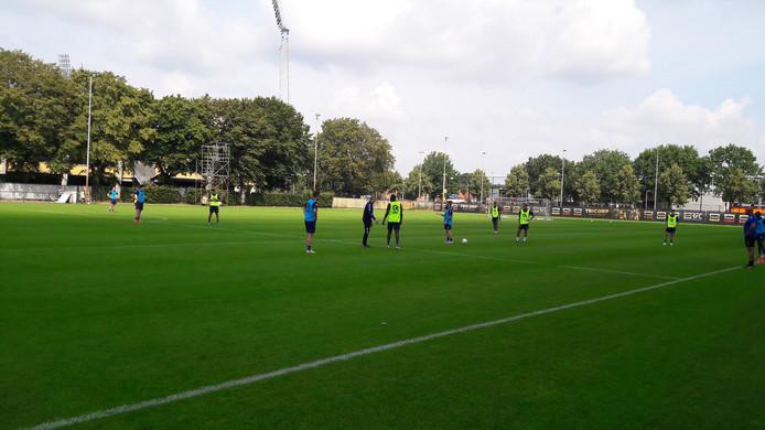 Willem II tijdens de training vrijdagmorgen nog op het eigen complex.