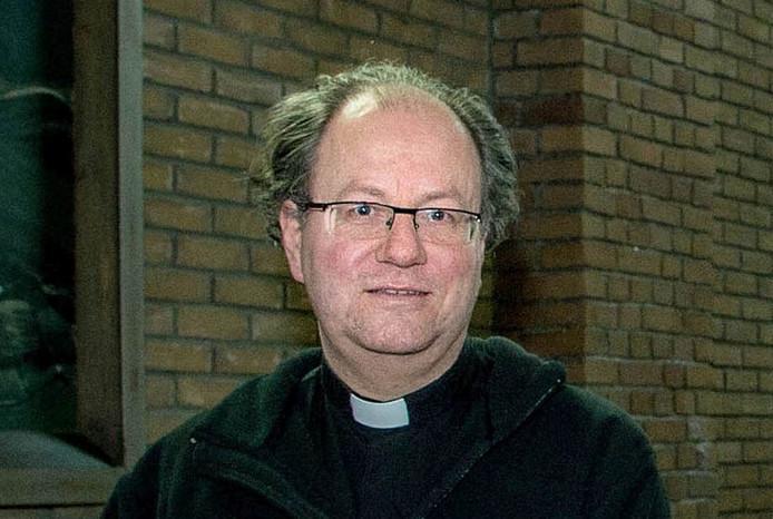 Pastoor Paul Massaer.