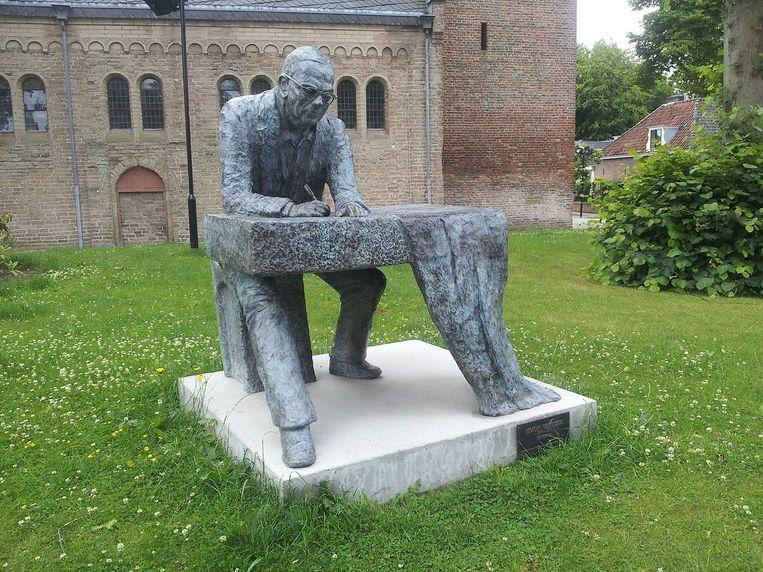 Standbeeld van Vestdijk in Doorn Beeld Wikimedia / Vera de Kok