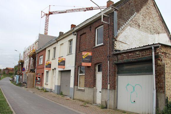 De huisjes in de Beekstraat zijn nu eigendom van de stad.