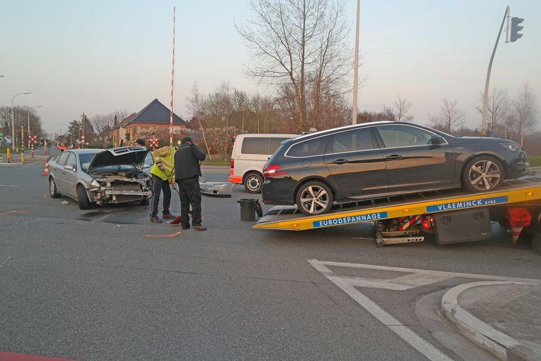 Bij het ongeval waren drie wagens betrokken.