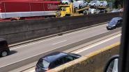 Drie vrachtwagens botsen: binnenring versperd ter hoogte van Leonardkruispunt