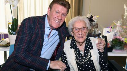 Moeder van Danny Fabry viert 100ste verjaardag… met optreden van zoon